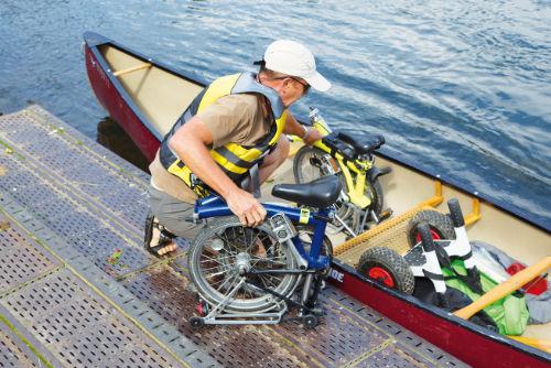 Faltrad im Kanu